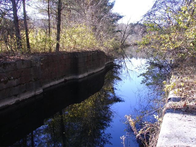 fullsize_Oswego_canal_reflection_d_drosse1306241597